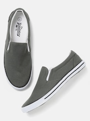 Roadster Men Grey Loafers
