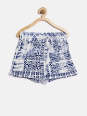 YK Girls Blue & White Printed Shorts