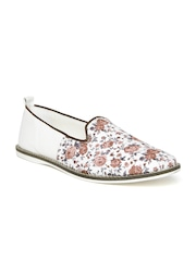 Knotty Derby by Arden Men White & Brown Floral Print Slip-Ons