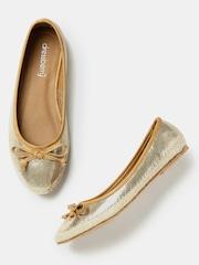 DressBerry Women Gold-Toned Ballerinas