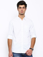 SPYKAR Men White Regular Fit Printed Casual Shirt
