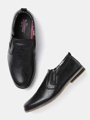Roadster Men Black Slip-On Sneakers