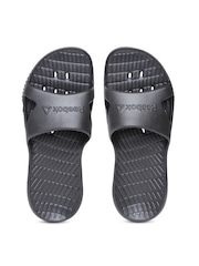 Reebok Men Black Kobo H2OUT Textured Flip-Flops