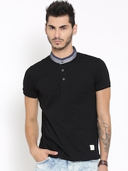 United Colors of Benetton Men Black Solid T-shirt