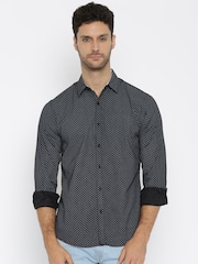 SPYKAR Men Black Printed Casual Shirt