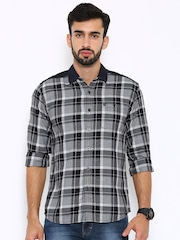 Wrangler Men Black Checked Slim Fit Casual Shirt