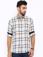 Wrangler Men Beige & Blue Slim Fit Checked Casual Shirt