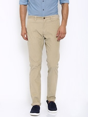 Indian Terrain Men Beige Solid Slim Fit Flat-Front Trousers