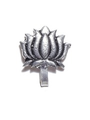 FIROZA Oxidised Silver-Toned Lotus-Shaped Clip-On Nosepin