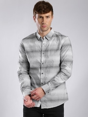 GUESS Men White & Black Slim Fit Printed Casual Shirt