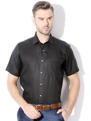 Van Heusen Men Black Slim Fit Solid Formal Shirt