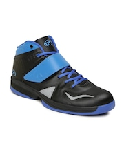 Boltio Men Black & Blue Mid-Top Basketball Shoes