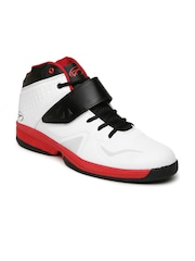 Boltio Men White Mid-Top Basketball Shoes
