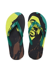 Freetoes Men Green Printed Flip-Flops