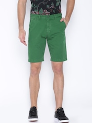 IZOD Men Green Shorts