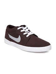 Nike Men Burgundy Voleio Sneakers