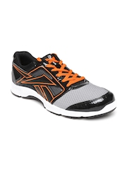 Reebok Men Grey & Black Speed Running Shoes