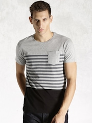 Roadster Grey & Black Engineered Striper T-shirt