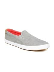 Kook N Keech Men Grey Textured Slip-Ons