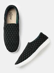 Roadster Women Black Printed Slip-Ons