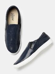 Roadster Women Blue & Black Printed Slip-Ons