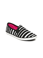 Boltio Women Black & White Striped Loafers