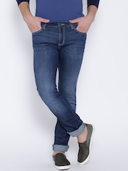 Wrangler Blue Low-Rise Washed Skanders Fit Jeans