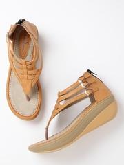 Mast & Harbour Women Tan Brown Strappy Flatforms