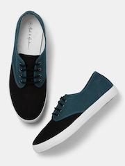 Mast & Harbour Men Black & Teal Green Colourblock Sneakers