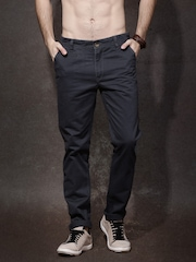 Roadster Men Charcoal Grey Solid Chino Trousers