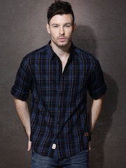Roadster Men Black & Blue Checked Casual Shirt