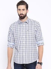 Pepe Jeans White & Navy Checked Semi Fit Casual Shirt