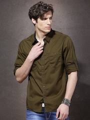 Roadster Men Olive Green Regular Fit Solid Casual Shirt