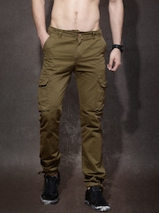 Roadster Men Khaki Solid Slim Fit Trousers