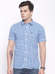 Pepe Jeans Men Blue & White Checked Semi Fit Casual Shirt