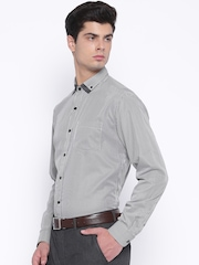 Mark Taylor Men Black & White Striped Slim Fit Formal Shirt