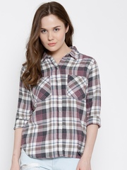 FOREVER 21 Women Grey & White Checked Casual Shirt