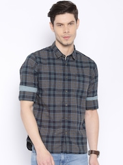 Flying Machine Men Grey Checked Casual Shirt