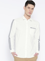 Wrangler Men White Regular Fit Solid Casual Shirt