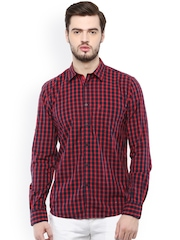Turtle Men Red Slim Fit Checked Casual Shirt
