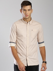 Tommy Hilfiger Men Beige Slim Fit Printed Casual Shirt