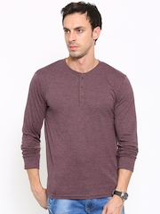 HIGHLANDER Men Burgundy Solid Henley T-shirt