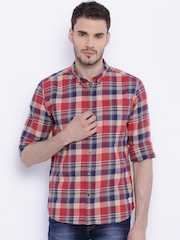 Flying Machine Men Red Regular Fit Checked Casual Shirt