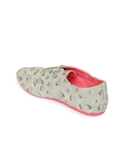 The Childrens Place Girls Taupe Shimmery Sneakers