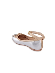 Beanz Girls Silver Solid Ballerinas