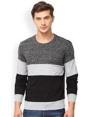 Campus Sutra Men Grey & Black Colourblocked Round Neck T-shirt