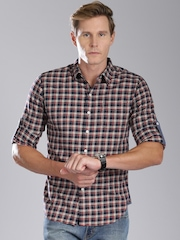 Levis Men Red Slim Fit Checked Casual Shirt
