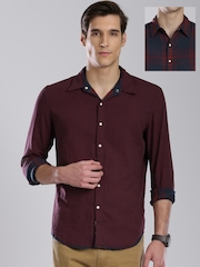 Levi's Men Navy Blue Checked Reversible Casual Shirt