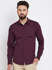 United Colors of Benetton Men Burgundy Solid Casual Shirt