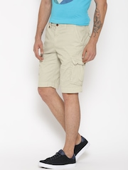 Tommy Hilfiger Men Beige Solid Relaxed Fit Cargo Shorts